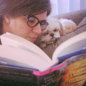 Darcy Reads.
